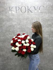 букет контрастных роз