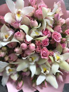 орхидеи и розы