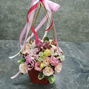 орхидея с розами