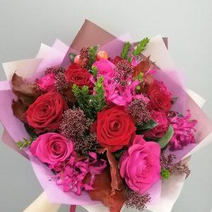 ярко розовый букет