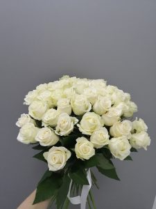 белые розы