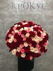 букет из трех видов роз