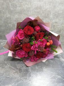 насыщенный розовый в букете